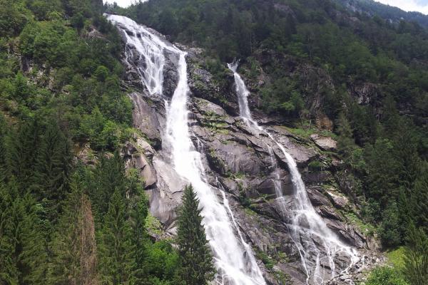 La Val Genova, l'Adamello e il Parco Naturale Adamello Brenta